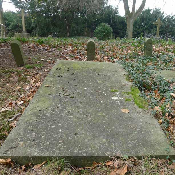 Graf N11 - Stoové - Oude Algemeene Begraafplaats Zeist