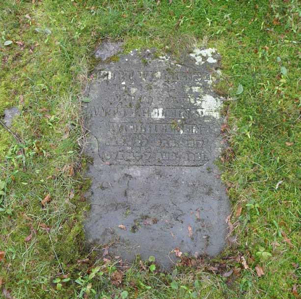 Graf D8 - Stoové - Oude Algemeene Begraafplaats Zeist