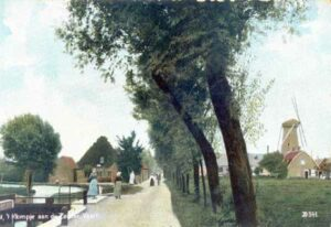 Korenmolen ''t Klompje' aan de Koppeldijk (1855–1971), ca. 1907.