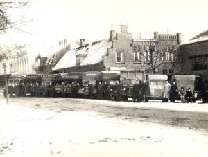 Wagenpark van de firma Ekdom. Foto, circa 1950